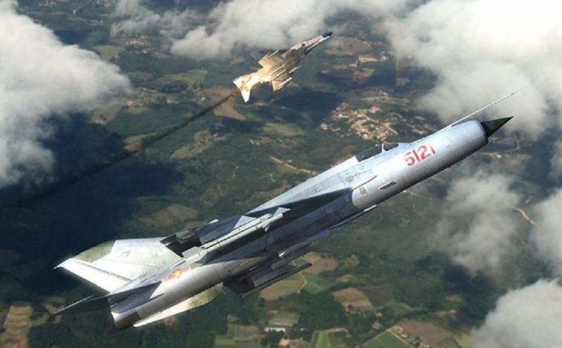 MiG-21 Viet Nam phong 1 ten lua, hang loat si quan My mat ghe!-Hinh-12