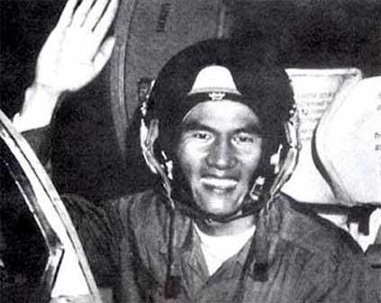 MiG-21 Viet Nam phong 1 ten lua, hang loat si quan My mat ghe!-Hinh-19