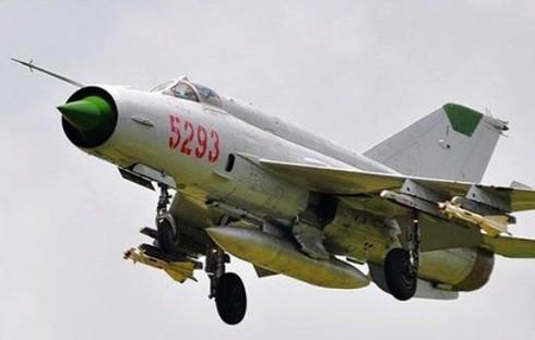 MiG-21 Viet Nam phong 1 ten lua, hang loat si quan My mat ghe!-Hinh-3