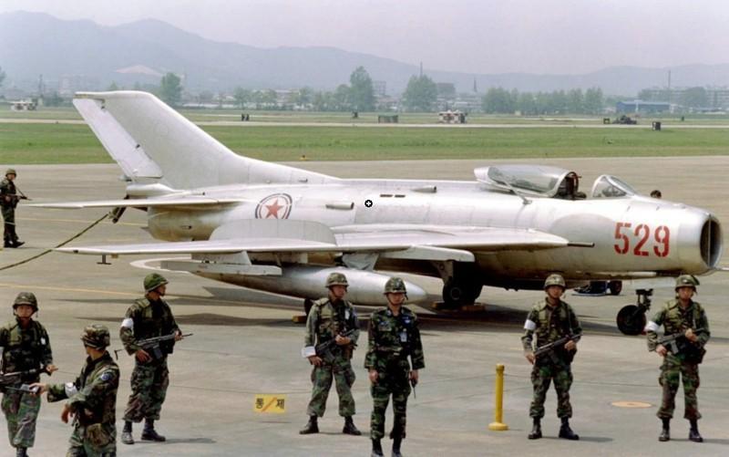 Tai sao Lien Xo khong vien tro truc tiep MiG-19 cho Viet Nam?-Hinh-22