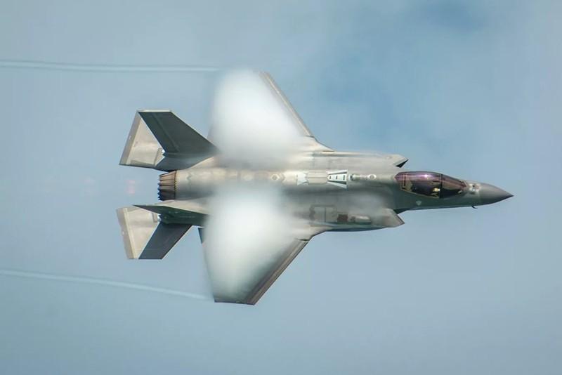 UAE phai lua chon: 5G tu Huawei cua Trung Quoc hoac F-35 cua My-Hinh-7