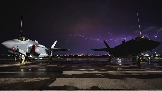 Vi sao tiem kich F-35 co the chiu duoc ca set danh?