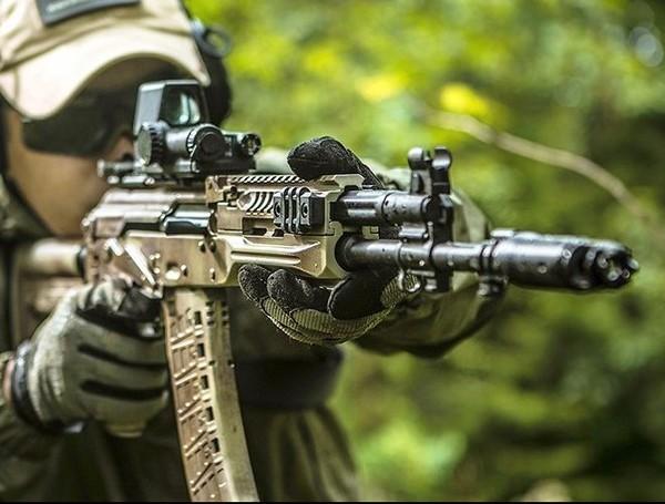 Sung truong tan cong AK-12: Cau tra loi danh thep cho khau M4-Hinh-16
