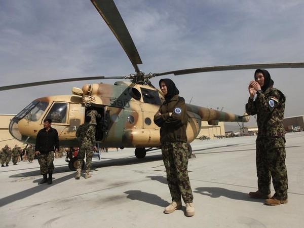Truyen thong My: Khong quan Afghanistan dang ben bo vuc sup do-Hinh-4