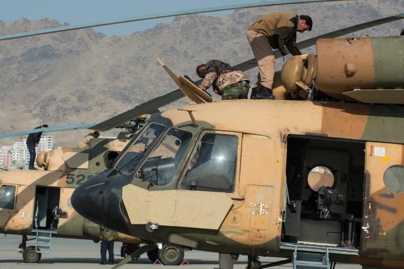 Truyen thong My: Khong quan Afghanistan dang ben bo vuc sup do-Hinh-8