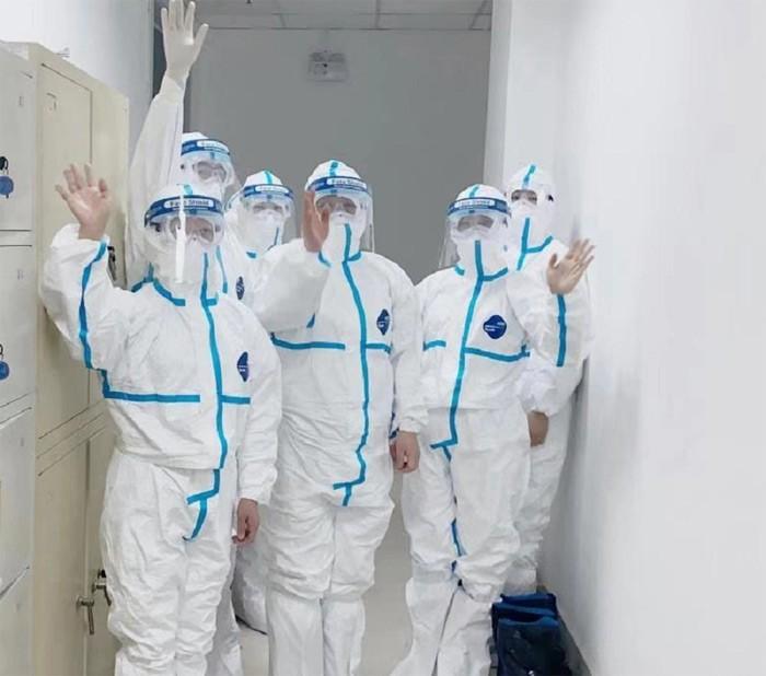Kinh ngac san phu nhiem virus corona sinh con khoe manh-Hinh-3