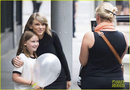 Fan than ngheo ke kho vi Covid-19, Taylor Swift hao phong tang ngay 3000 USD-Hinh-2