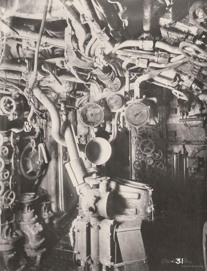 Tan mat ben trong tau ngam U-boat Duc thoi CTTG 1-Hinh-5