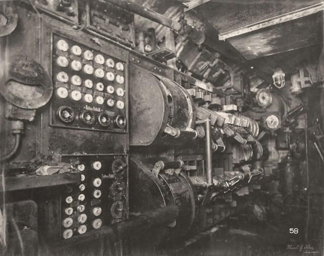 Tan mat ben trong tau ngam U-boat Duc thoi CTTG 1-Hinh-6