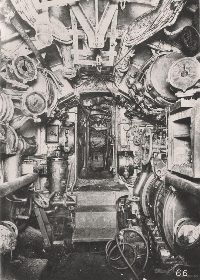 Tan mat ben trong tau ngam U-boat Duc thoi CTTG 1-Hinh-7