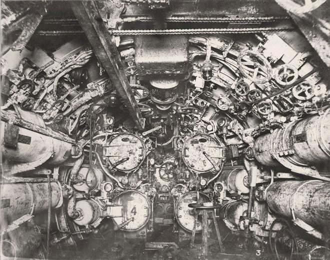Tan mat ben trong tau ngam U-boat Duc thoi CTTG 1-Hinh-8