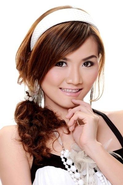 Chuyen tinh yeu it biet cua cac hot girl nhom May Trang