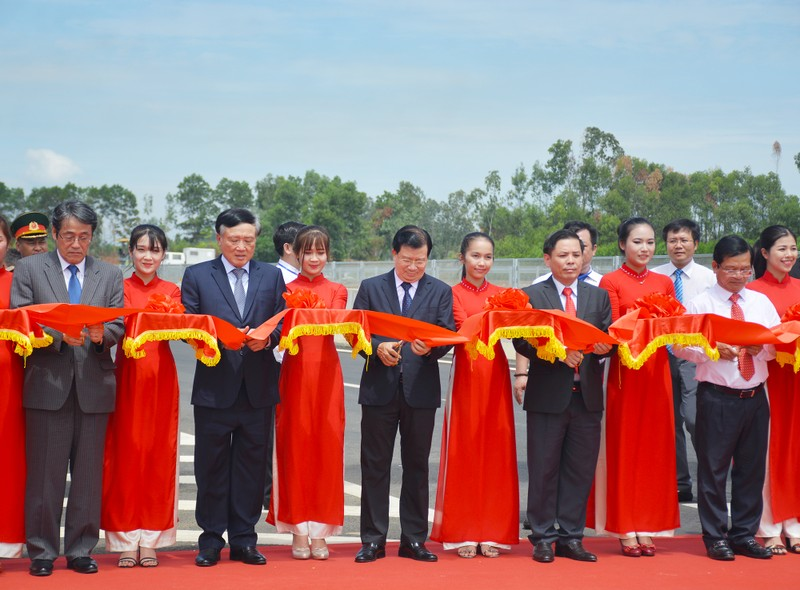 Cao toc hon 34.000 ty giup Da Nang di Quang Ngai chi con 1,5 gio