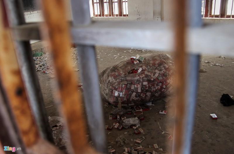 Bom kim tiem vuong vai trong truong chuyen bo hoang-Hinh-6