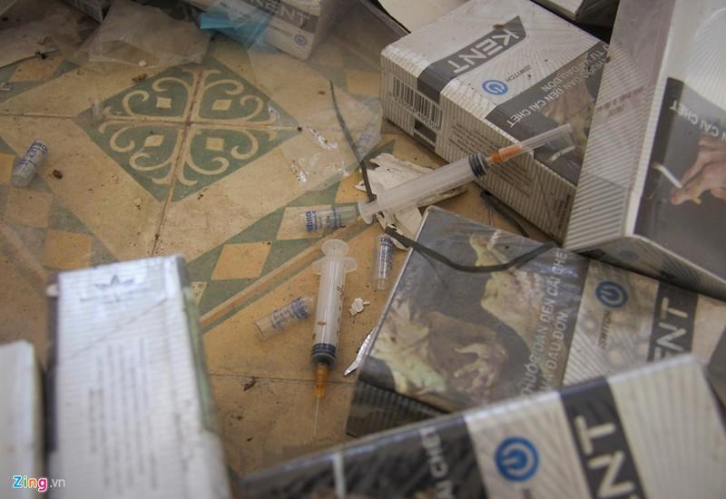 Bom kim tiem vuong vai trong truong chuyen bo hoang-Hinh-9