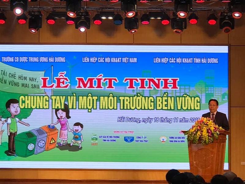 "Ong Nghiem Vu Khai, PCT LHHKHKT Viet Nam: ""Bao ve moi truong la van de toan cau"""