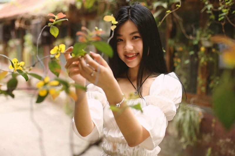 Nhan sac xinh dep cua dien vien dong canh nong voi NSND thuoc the he 5X-Hinh-3