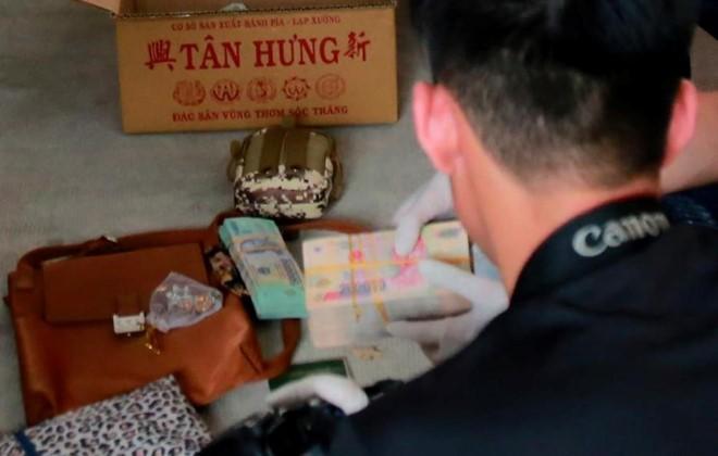 """2 thi the vui trong be tong o Binh Duong: Muon vao nhom """"tu"""" thi phai giao het tai san"""