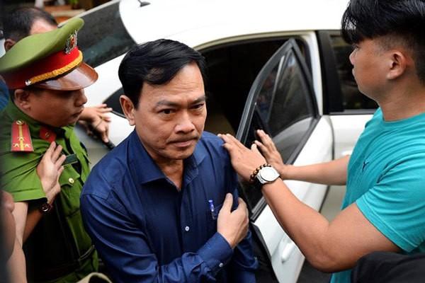 Ra quyet dinh thi hanh an phat tu Nguyen Huu Linh