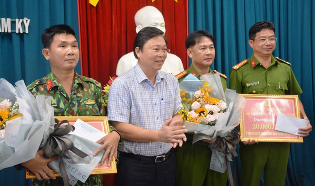 Thuong nong cong an bat Trieu Quan Su, nguoi dan to giac the nao?-Hinh-2