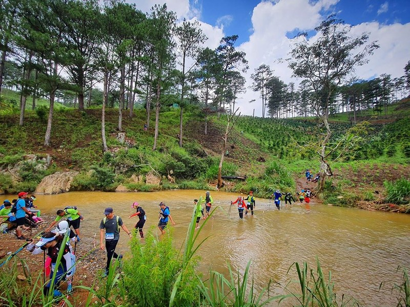 "VDV Dalat Ultra Trail 2020 chet: ""Boc"" sai sot cua Ban to chuc-Hinh-3"