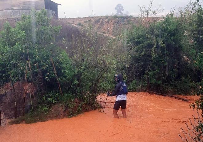 "VDV Dalat Ultra Trail 2020 chet: ""Boc"" sai sot cua Ban to chuc"