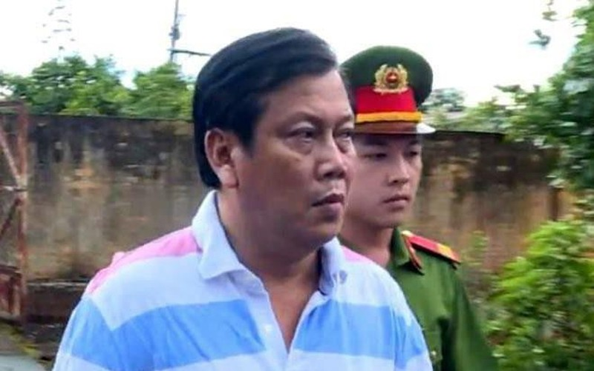 "Vu Trinh Suong buon xang gia: Giam doc Petro Tan Phuc ""tiep tay"" kieu gi?"