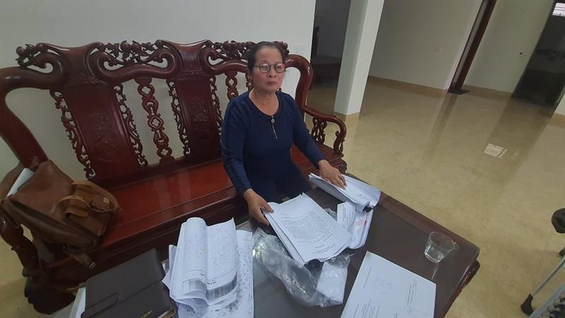 Hang xom to nguoi nha Bi thu huyen Thanh Ha lan dat: Co the khoi kien