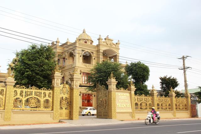 """Dai gia Thien """"Soi"""", Ngo Van Phat...: Tu biet thu khung toi xo kham-Hinh-2"""