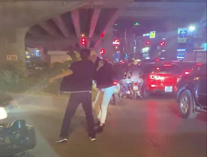 Truong Cong an quan Thanh Xuan noi ve vu tai xe danh nguoi o nga tu