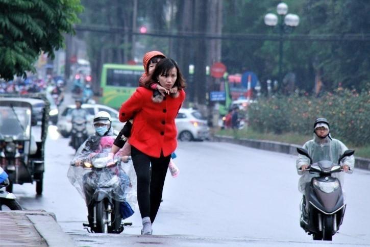 Ha Noi: Nhiet do xuong thap, lich hoc cua hoc sinh thay doi the nao?-Hinh-2