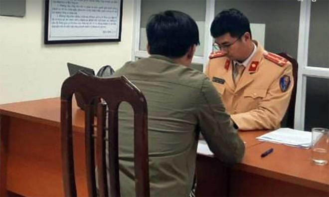 Phat lai xe co tinh lao theo doan xe phuc vu Dai hoi Dang XIII-Hinh-2