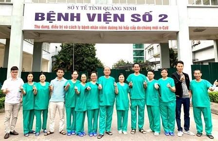 Be gai chao doi khoe manh tai khu cach ly o Quang Ninh-Hinh-2