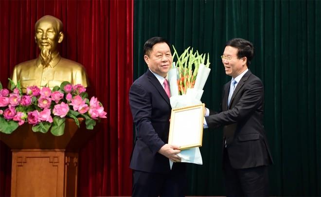 Chan dung tan Truong ban Tuyen giao Trung uong Nguyen Trong Nghia-Hinh-2