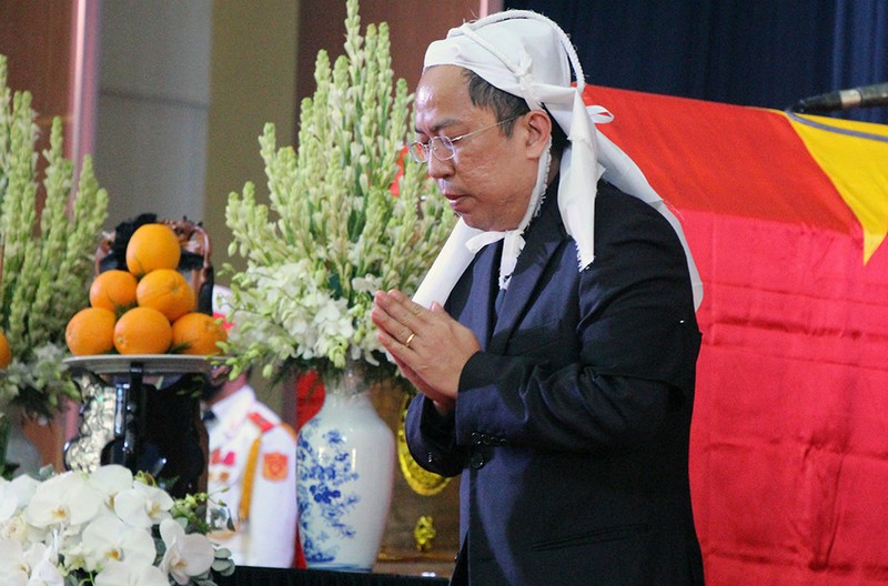 Tang le nguyen Pho Thu tuong Truong Vinh Trong: Con trai xuc dong noi loi tien biet-Hinh-3