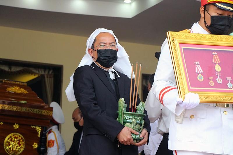 Tang le nguyen Pho Thu tuong Truong Vinh Trong: Con trai xuc dong noi loi tien biet-Hinh-4