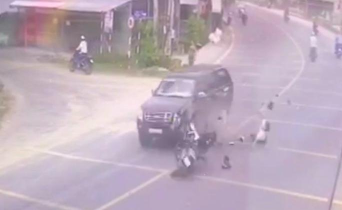 Video: Thanh nien tu vong khi phi xe ve nha bao tin bo tai nan
