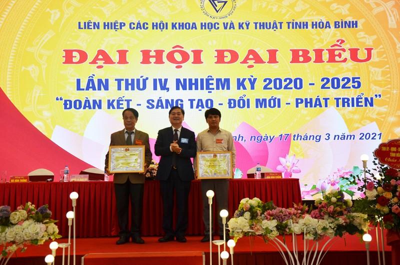 Dong chi Bui Van Thang duoc bau lam Chu tich Lien hiep Hoi o Hoa Binh-Hinh-5