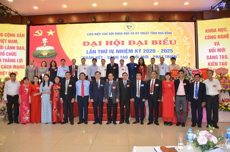 Dong chi Bui Van Thang duoc bau lam Chu tich Lien hiep Hoi o Hoa Binh-Hinh-8