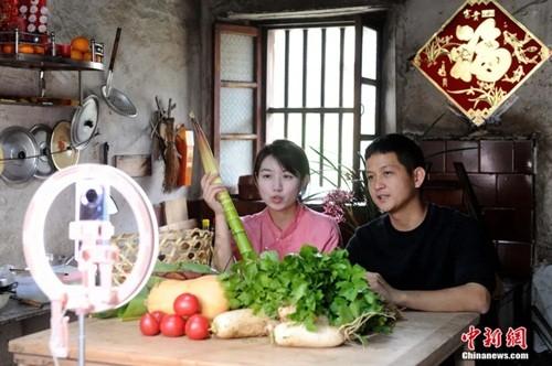 "Giac mo ""tieu phu"" cua doi vo chong tre Kha Gia Hoa va Chu Tich-Hinh-5"