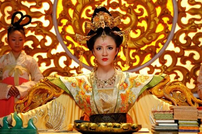Thai Binh cong chua thong minh nhung mai khong the ke nghiep Vo Tac Thien?