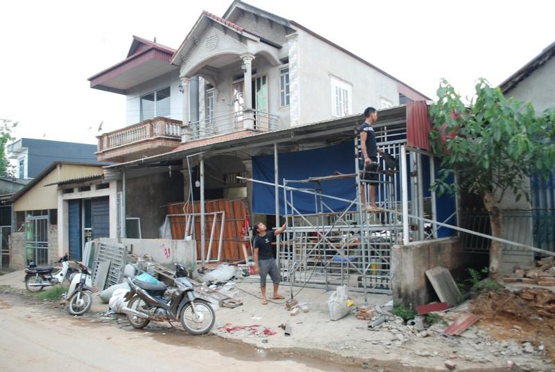Phu Tho: Nguoi dan hien dat lam duong xay dung Nong thon moi-Hinh-2