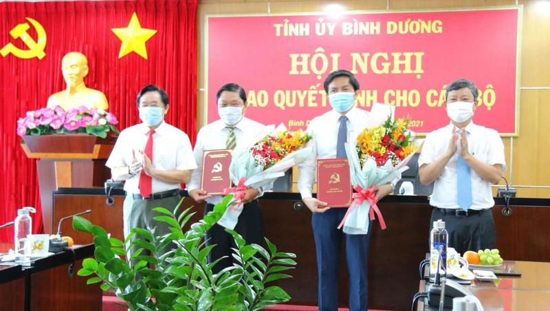 Tan Chanh Van phong UBND tinh Binh Duong la ai?-Hinh-2