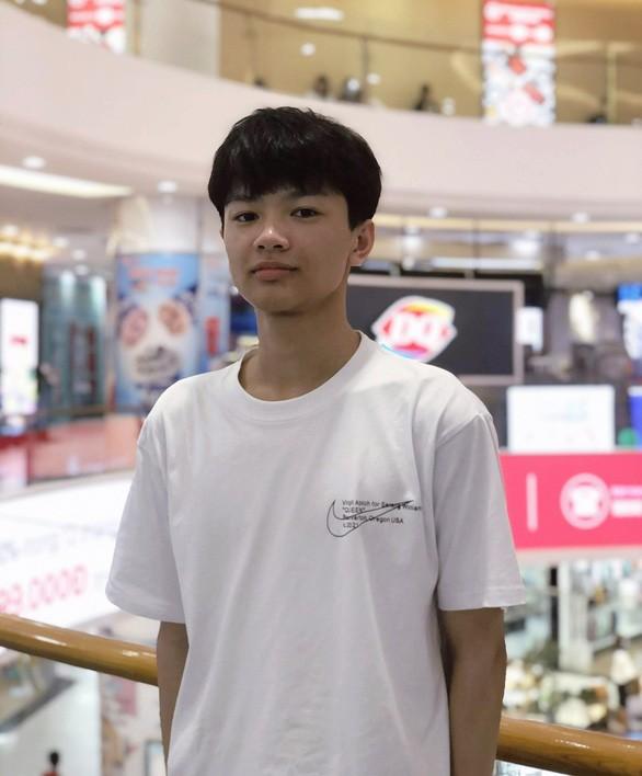 """Nhung tam guong vuot kho gianh """"diem vang"""" ky thi tot nghiep THPT"""