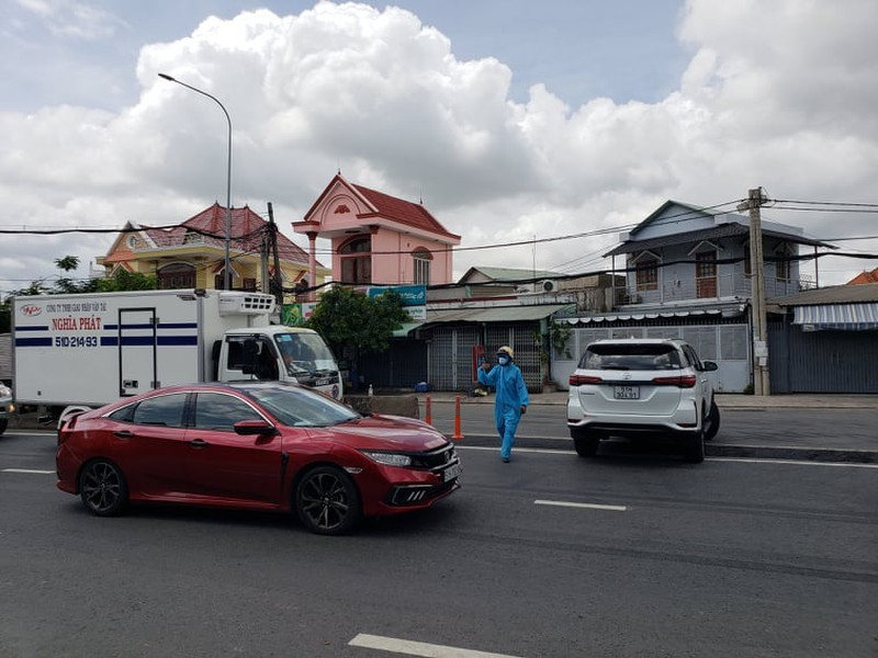 Hang tram nguoi roi TP.HCM ve cac tinh Tay Nguyen phai quay dau-Hinh-4