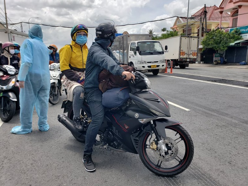Hang tram nguoi roi TP.HCM ve cac tinh Tay Nguyen phai quay dau-Hinh-5