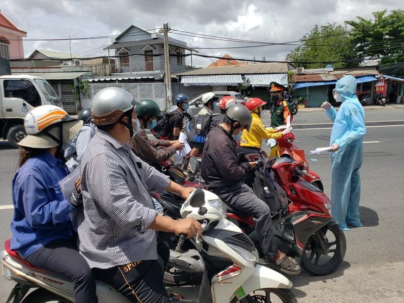 Hang tram nguoi roi TP.HCM ve cac tinh Tay Nguyen phai quay dau-Hinh-6