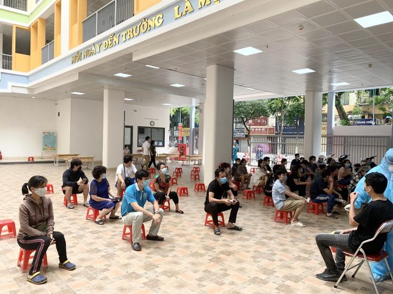 Bi thu Thanh uy Ha Noi yeu cau tang cuong kiem soat nguoi ra duong-Hinh-2