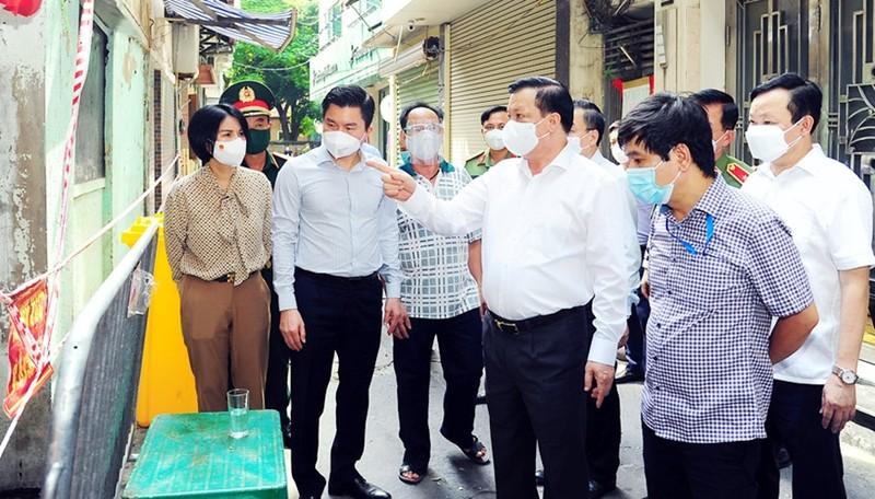 Bi thu Thanh uy Ha Noi yeu cau tang cuong kiem soat nguoi ra duong-Hinh-4