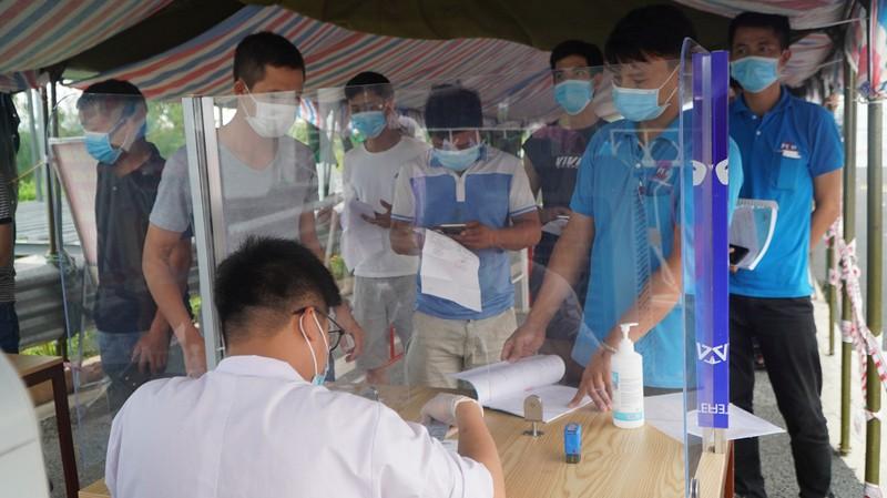 Quang Ninh: Ca nhap canh tu Campuchia nhiem COVID-19 keo theo nhieu F1, F2